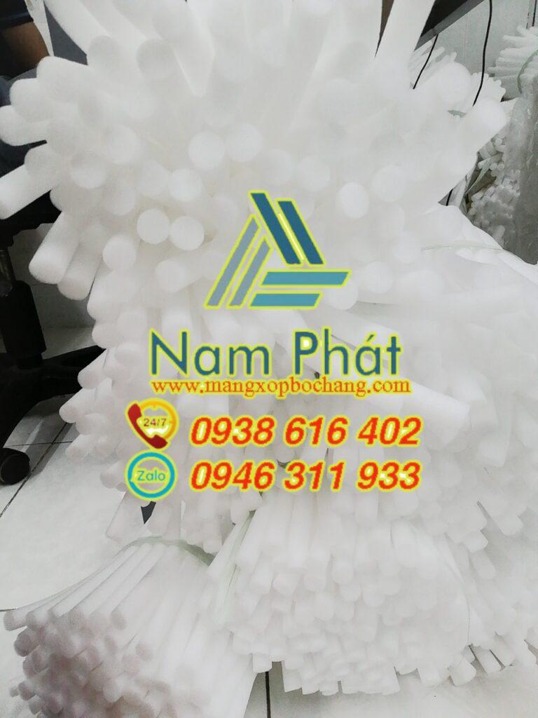Ống mút xốp có những ưu điểm riêng biệt, tốc độ thu hồi mạnh, không bị thấm nước, chống va đập, chịu thời tiết, chống hóa chất và chống lão hóa mà các vật liệu khác không có. liên hệ: 0938.616.402 tư vấn khách hàng